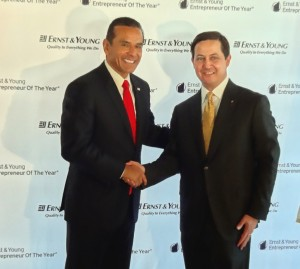 Los Angeles Mayor Antonio Villaraigosa shakes hands with Patrick Niemann, Ernst & Young Greater Los Angeles Office Managing Partner at LA City Hall in Thomas Bradley Tower.